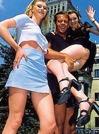 Rocco Siffredi mit Girls