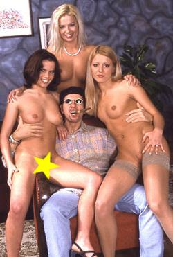 Chris Charming mit sexy Girls
