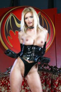 Nicoletta Blue nude pic - Fotomodel-Kartei