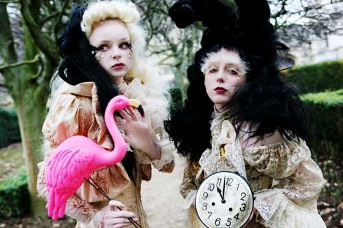 Alice und Freundin - Erica McLean