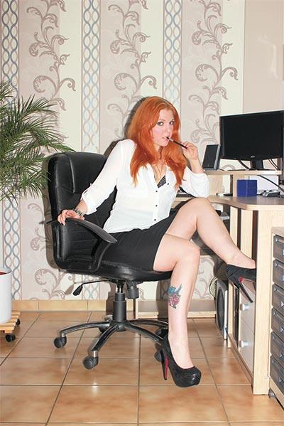 Little-nicky-office-girl-big7