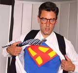 Ryan Driller als Superman in Supergirl XXX