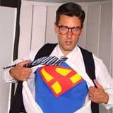 Ryan Driller als Superman in Supergirl XXX